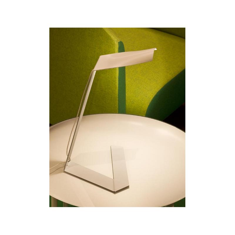 Lampe de table elle t1 prandina decodirect for Lampe de table contemporaine